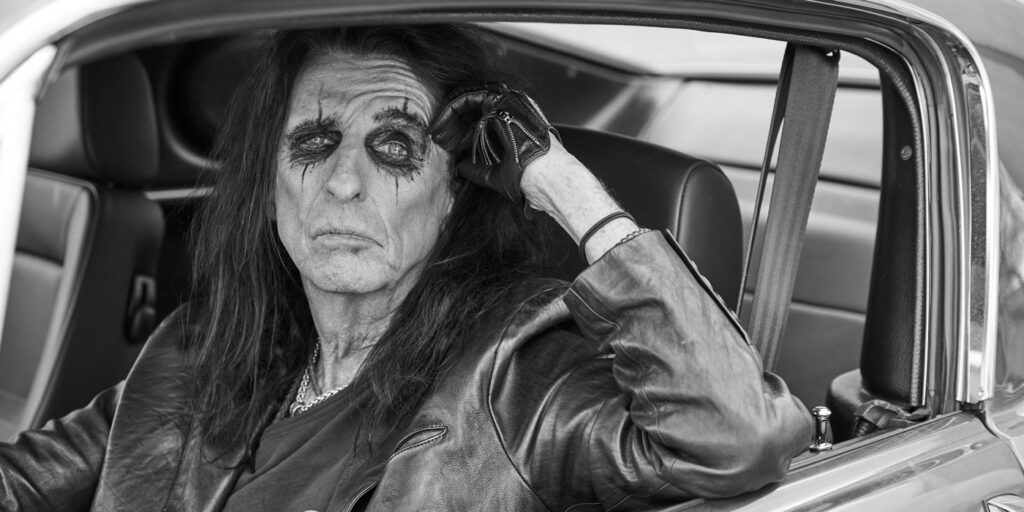 This image has an empty alt attribute; its file name is Alice-Cooper-Tires-1024x512.jpg